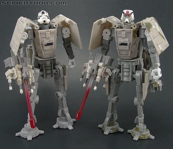 Star Wars Transformers AT-AT Driver (AT-AT) (Image #159 of 161)