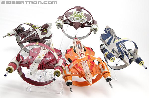 Star Wars Transformers Kit Fisto (Jedi Starfighter) (Image #37 of 104)