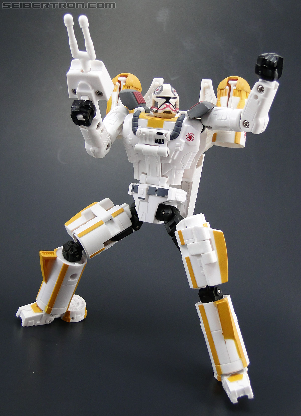 Star Wars Transformers Y-Wing Pilot (Y-Wing) (Image #69 of 84)