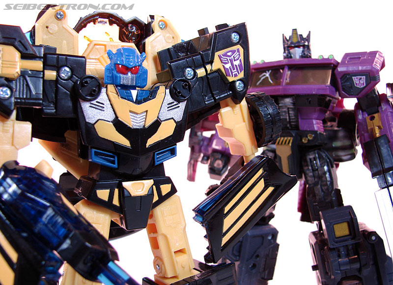 Transformers Convention & Club Exclusives Goldbug (Image #83 of 94)