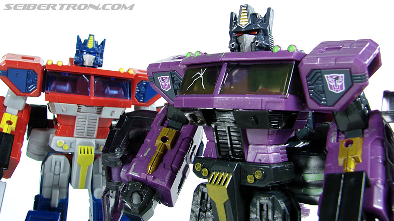 Transformers Convention & Club Exclusives Optimus Prime (Shattered Glass) (Image #109 of 116)