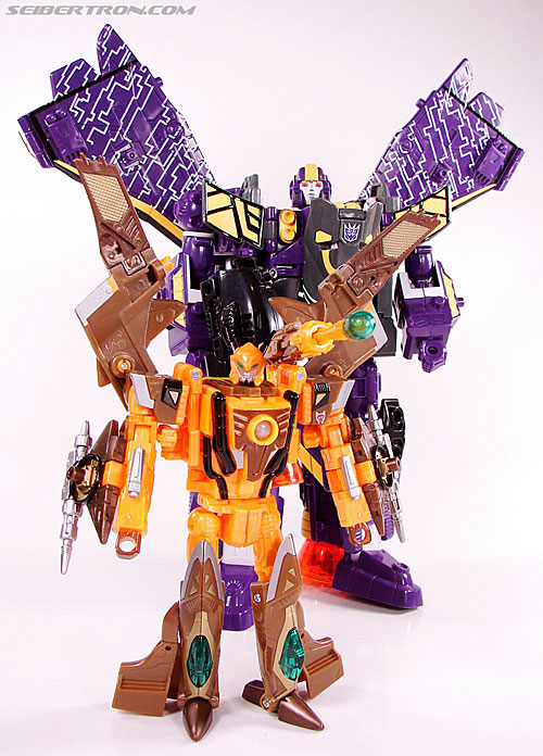 Transformers Convention & Club Exclusives Airazor (Image #130 of 132)