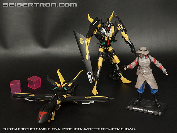 Transformers News: New Galleries: Old Snake and Stealth Battle Android Troopers from the Transformers Collector's Club