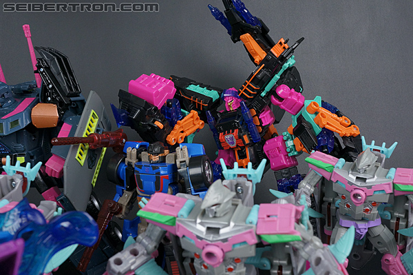 Transformers Convention & Club Exclusives Double Punch (Image #216 of 217)