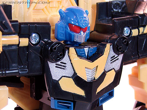 Transformers Convention & Club Exclusives Goldbug (Image #45 of 94)