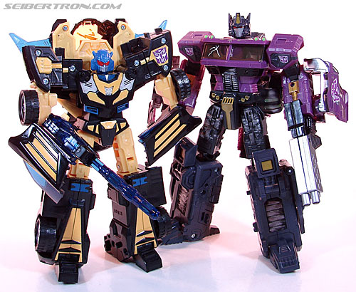 Transformers Convention & Club Exclusives Goldbug (Image #82 of 94)