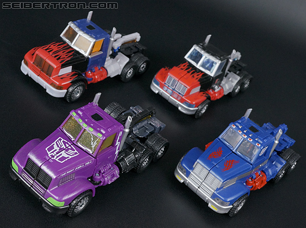 Transformers Convention & Club Exclusives Optimus Prime (Shattered Glass) (Image #24 of 166)