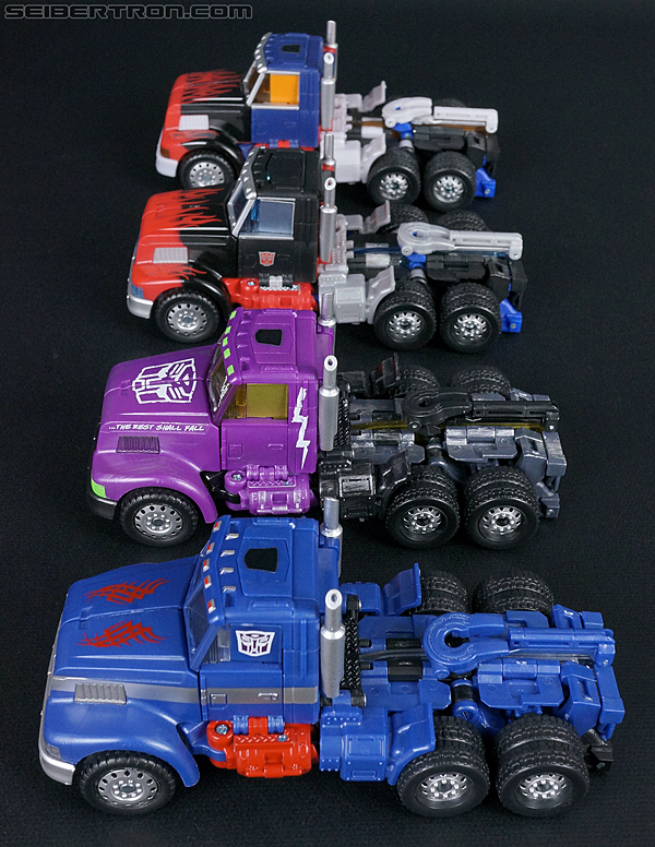 Transformers Convention & Club Exclusives Optimus Prime (Shattered Glass) (Image #26 of 166)
