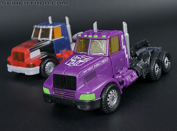 Transformers Convention & Club Exclusives Optimus Prime (Shattered Glass) (Image #27 of 166)