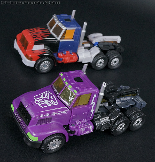 Transformers Convention & Club Exclusives Optimus Prime (Shattered Glass) (Image #28 of 166)