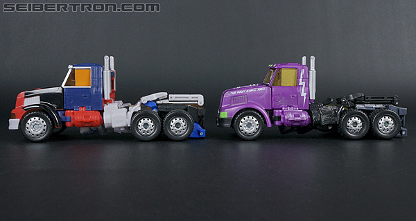 Transformers Convention & Club Exclusives Optimus Prime (Shattered Glass) (Image #29 of 166)