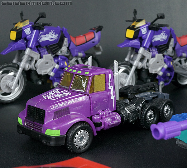 Transformers Convention & Club Exclusives Optimus Prime (Shattered Glass) (Image #38 of 166)