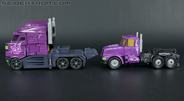 Transformers Convention & Club Exclusives Optimus Prime (Shattered Glass) (Image #40 of 166)