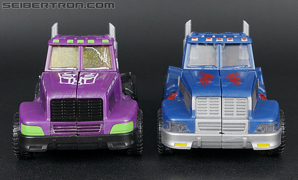 Transformers Convention & Club Exclusives Ultra Magnus (Shattered Glass) (Image #26 of 142)
