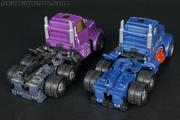 Transformers Convention & Club Exclusives Ultra Magnus (Shattered Glass) (Image #30 of 142)