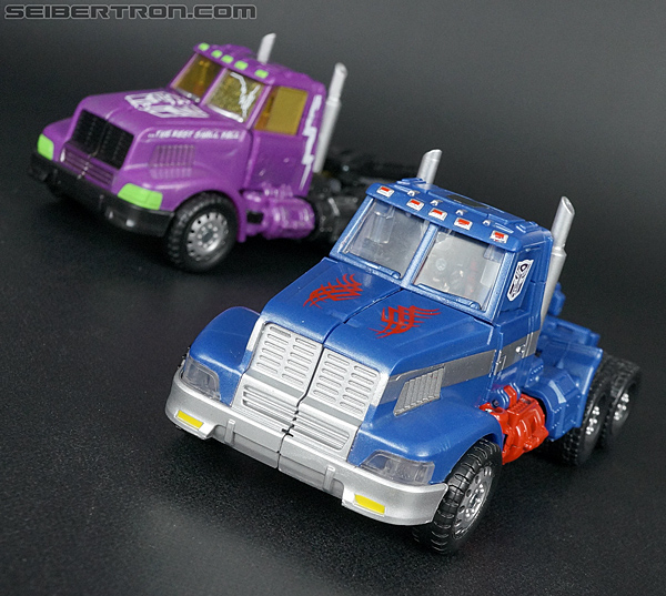 Transformers Convention & Club Exclusives Ultra Magnus (Shattered Glass) (Image #34 of 142)