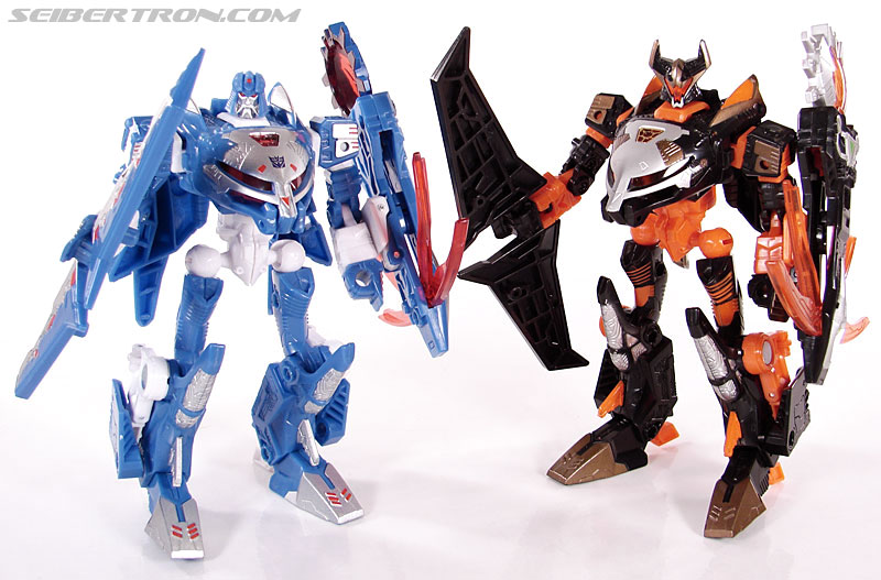 Transformers Convention & Club Exclusives Scourge (Image #95 of 128)