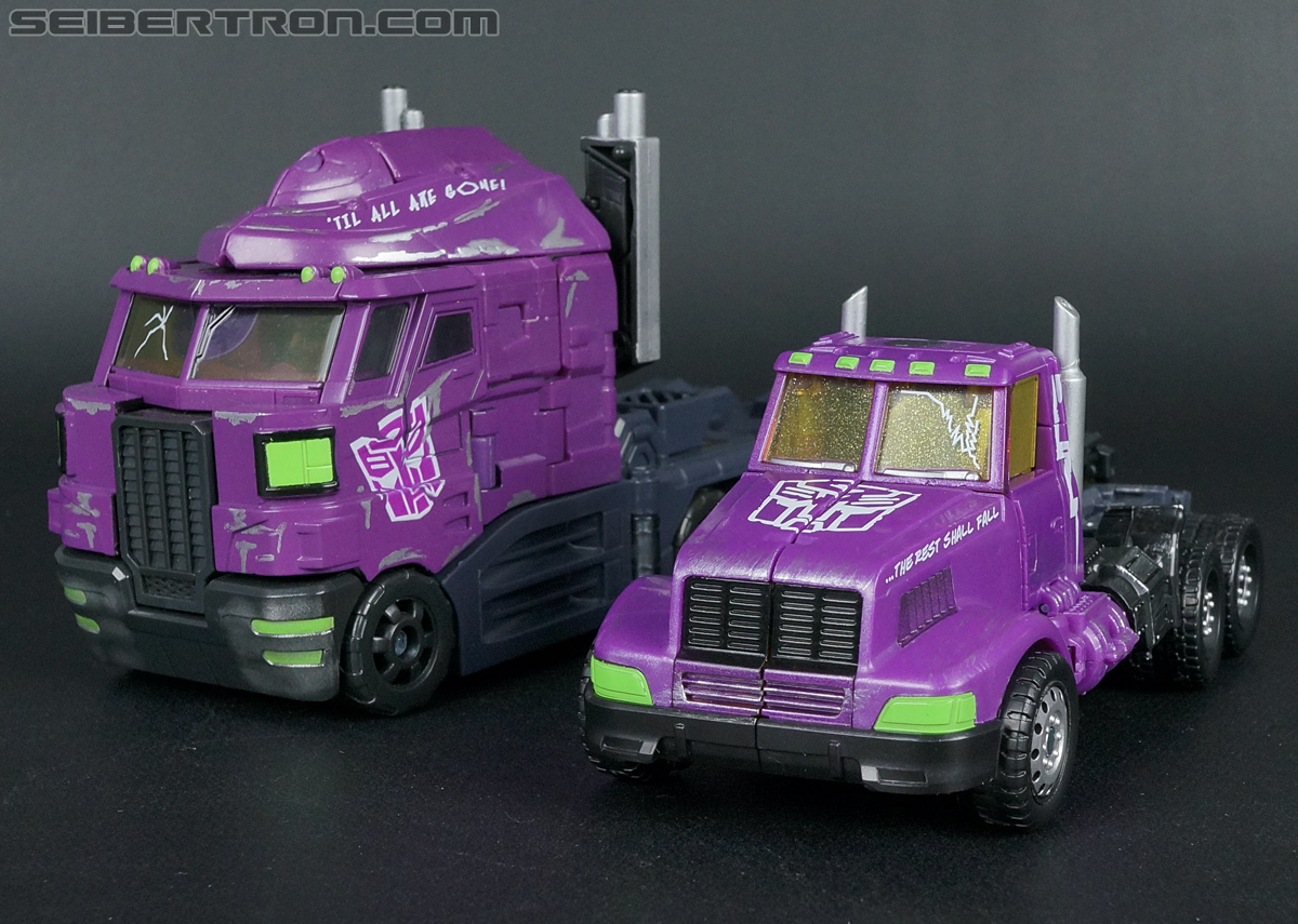 Transformers Convention & Club Exclusives Optimus Prime (Shattered Glass) (Image #39 of 166)
