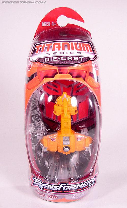"Transformers Titanium Series Autobot Shuttle ""Ark"" (Image #1 of 37)"