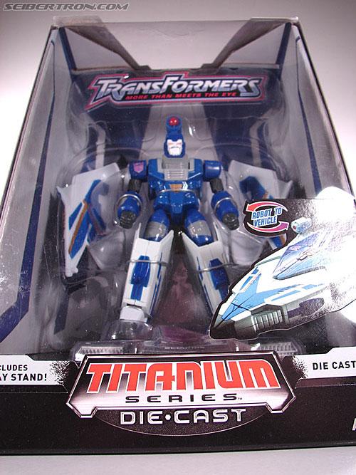 Transformers Titanium Series Scourge (Image #3 of 76)