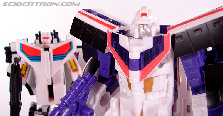 Transformers Classics Astrotrain (Image #101 of 102)