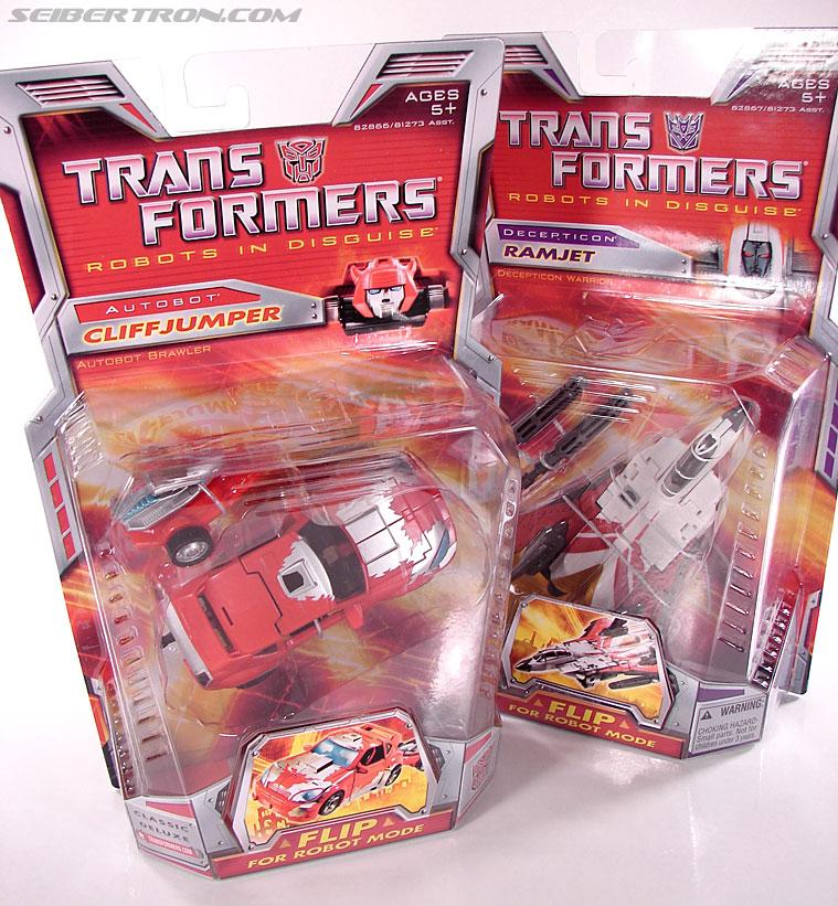 Transformers Classics Cliffjumper (Image #17 of 108)