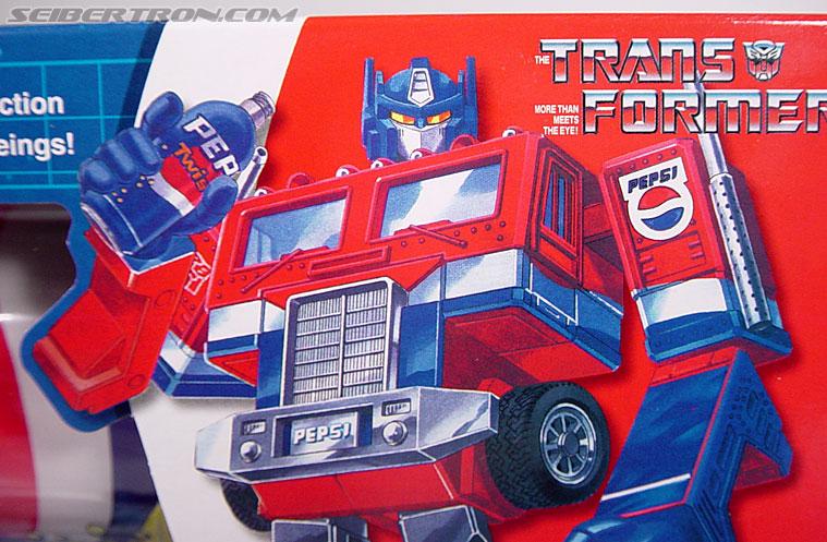 Transformers Classics Pepsi Optimus Prime (Pepsi Convoy) (Image #3 of 202)
