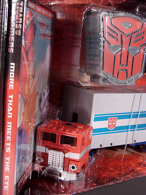 Transformers Classics Optimus Prime (25th Anniversary) (Image #49 of 267)
