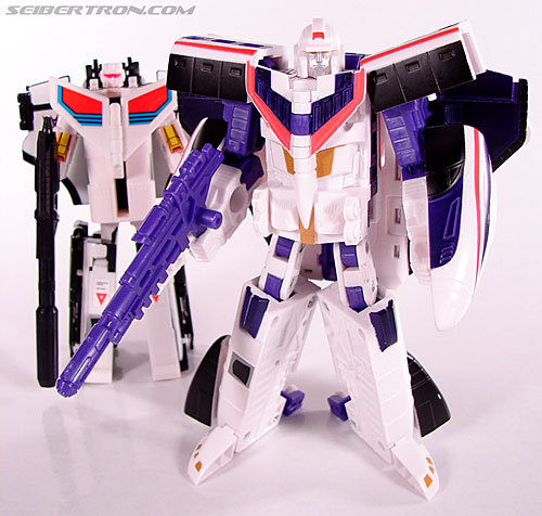 Transformers Classics Astrotrain (Image #100 of 102)