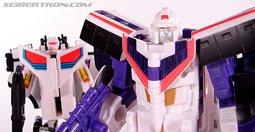 Transformers Classics Astrotrain (Image #101 of 102)
