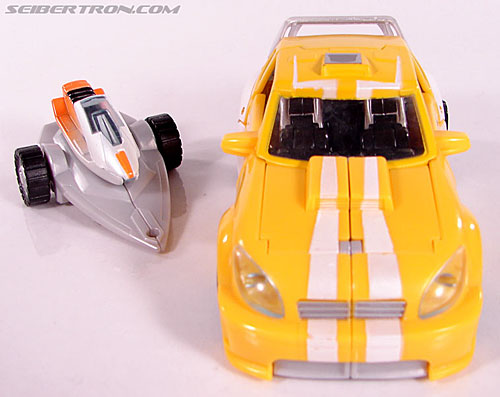 Transformers Classics Bumblebee (Bumble) (Image #22 of 93)