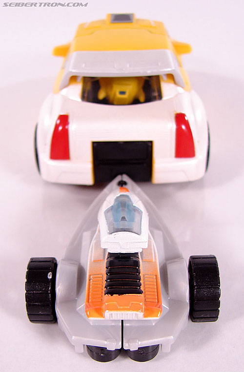 Transformers Classics Bumblebee (Bumble) (Image #24 of 93)