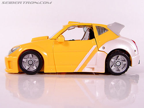 Transformers Classics Bumblebee (Bumble) (Image #27 of 93)