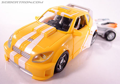 Transformers Classics Bumblebee (Bumble) (Image #30 of 93)