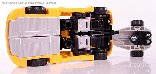 Transformers Classics Bumblebee (Bumble) (Image #32 of 93)