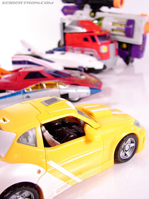 Transformers Classics Bumblebee (Bumble) (Image #35 of 93)