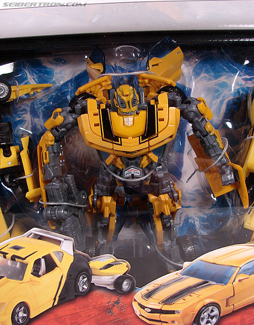 Transformers Classics Bumblebee (Bumble) (Image #4 of 126)