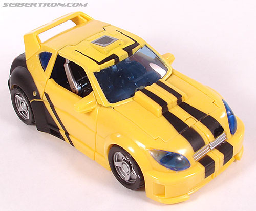 Transformers Classics Bumblebee (Bumble) (Image #32 of 126)