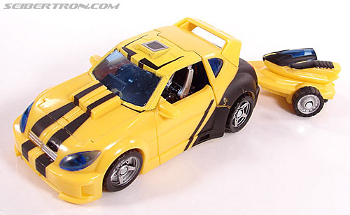 Transformers Classics Bumblebee (Bumble) (Image #49 of 126)