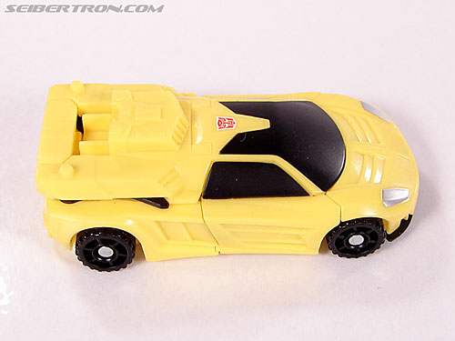 Transformers Classics Bumblebee (Image #17 of 63)