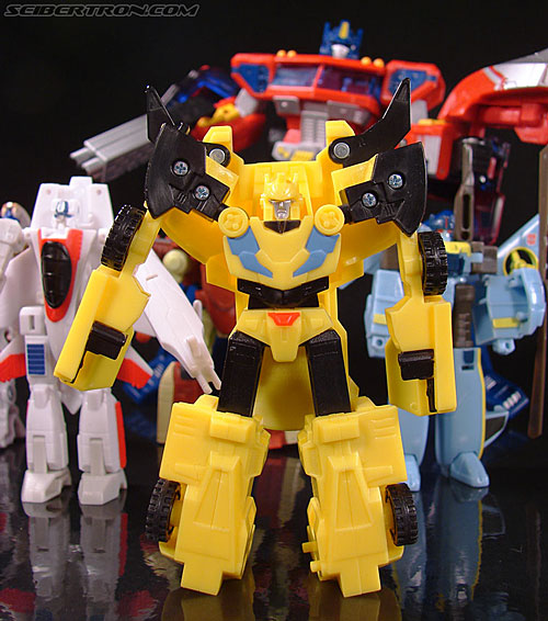 Transformers Classics Bumblebee (Image #62 of 63)