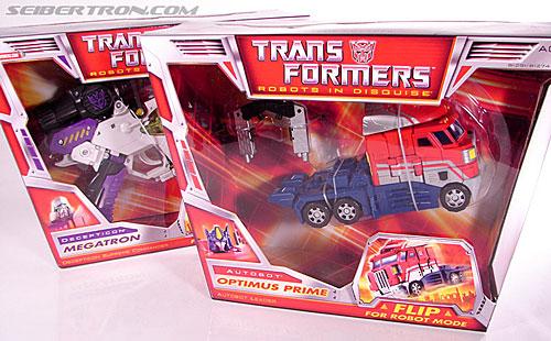 Transformers Classics Optimus Prime (Convoy) (Image #17 of 98)