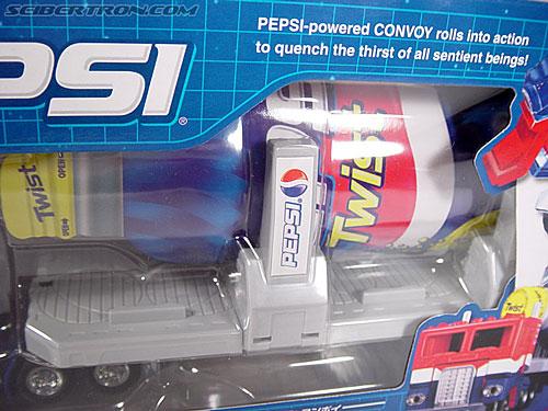 Transformers Classics Pepsi Optimus Prime (Pepsi Convoy) (Image #8 of 202)