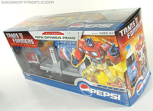 Transformers Classics Pepsi Optimus Prime (Pepsi Convoy) (Image #50 of 202)