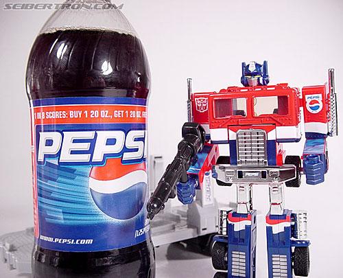 Transformers Classics Pepsi Optimus Prime (Pepsi Convoy) (Image #177 of 202)