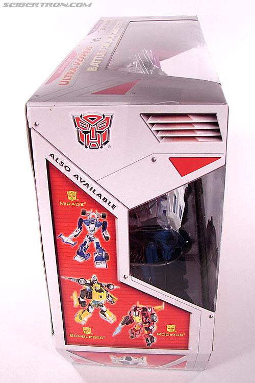 Transformers Classics Ultra Magnus (Image #8 of 143)