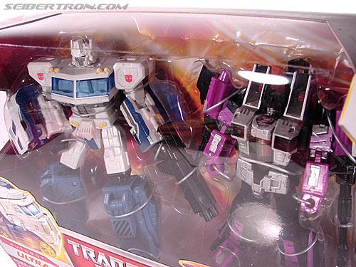 Transformers Classics Ultra Magnus (Image #22 of 143)