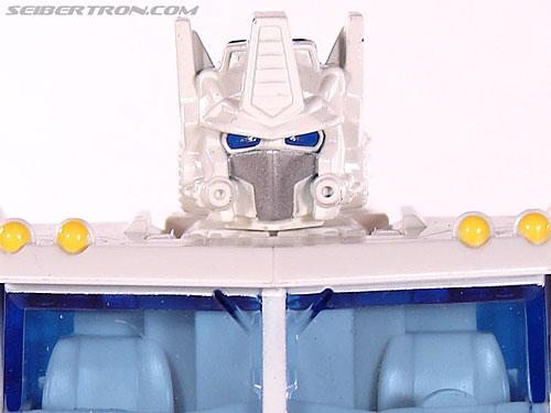 Transformers Classics Ultra Magnus gallery