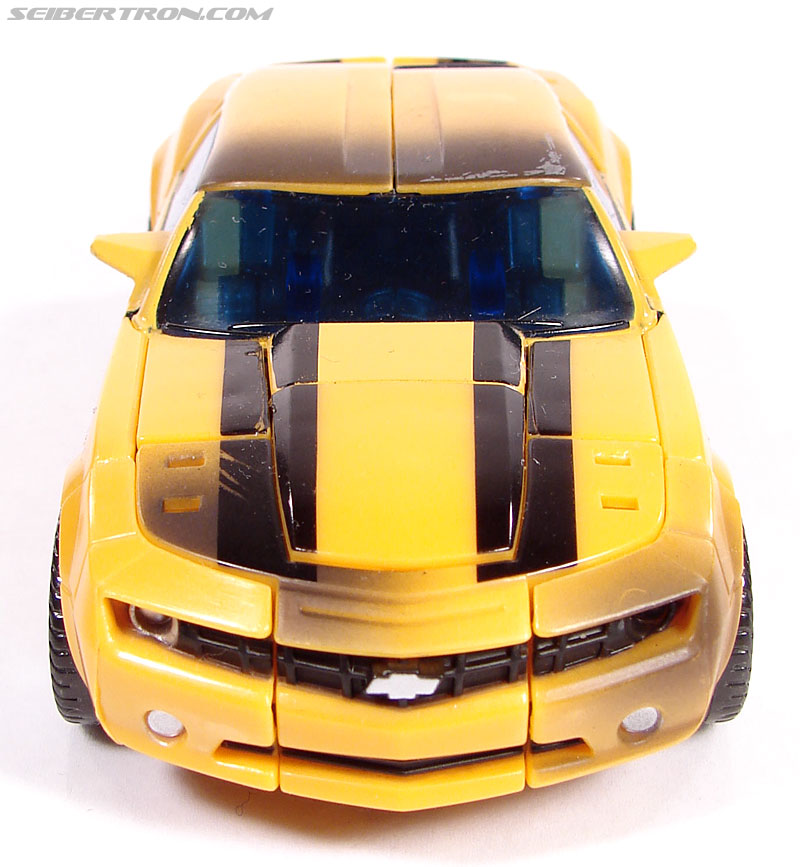 Transformers (2007) Battle Damaged Bumblebee (Image #23 of 99)