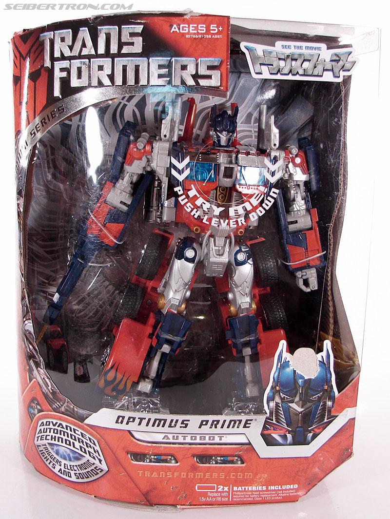 Transformers (2007) Premium Optimus Prime (Image #1 of 155)